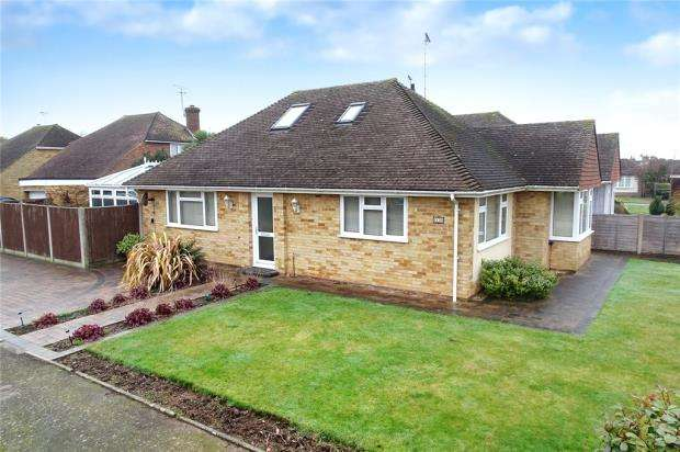 3 Bedrooms Detached Bungalow for sale in Andrew Close, Rustington, West Sussex, BN16
