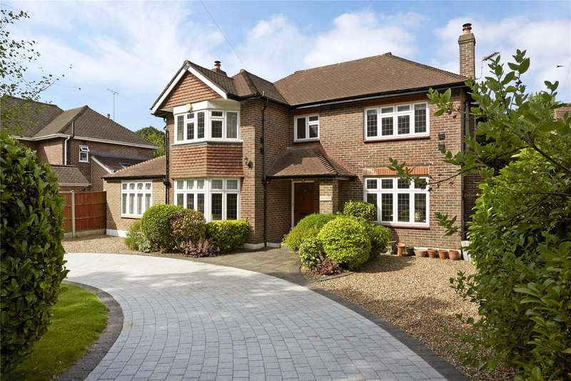 5 Bedrooms Detached House for sale in Oxshott Road, Surrey, KT22