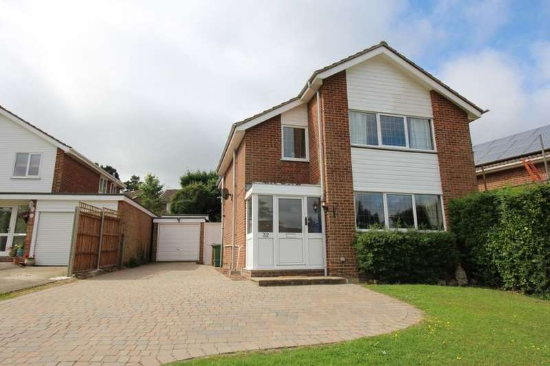 4 Bedrooms Detached House for sale in Herons Way, Pembury, Tunbridge Wells, TN2