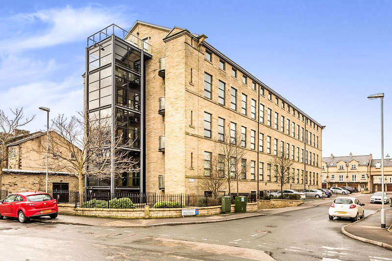 2 Bedrooms Flat for sale in Cavendish Court, Drighlington, Bradford, BD11