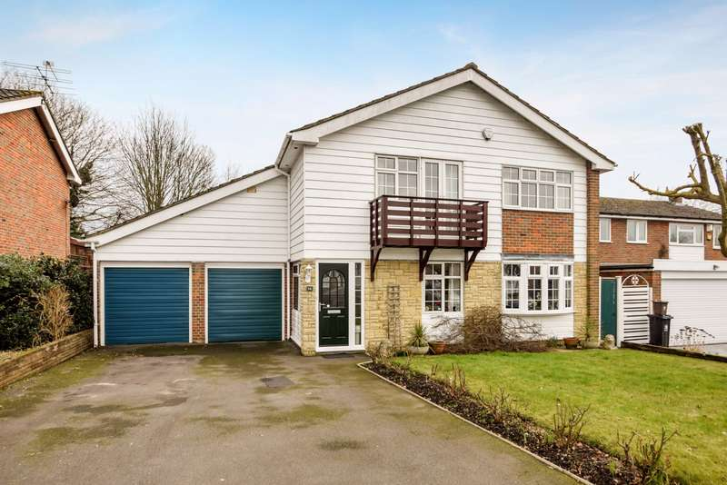 4 Bedrooms Detached House for sale in Hatchgate Gardens, Burnham, SL1