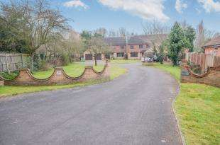 5 Bedrooms Detached House for sale in Rochester Road, Aylesford, Kent, .