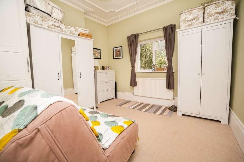 2 Bedrooms Ground Flat for sale in Harlesden Gardens, Harlesden NW10