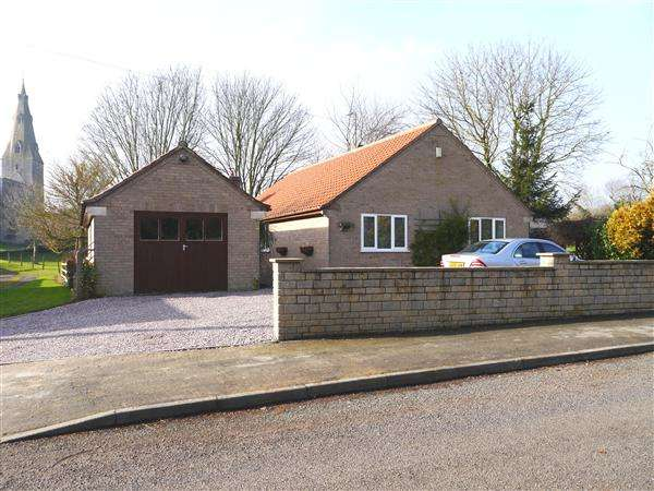 3 Bedrooms Detached Bungalow for sale in High Street, Ropsley, Grantham