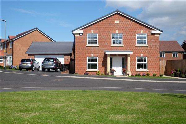 4 Bedrooms Detached House for sale in Redwood Drive, Blackpool