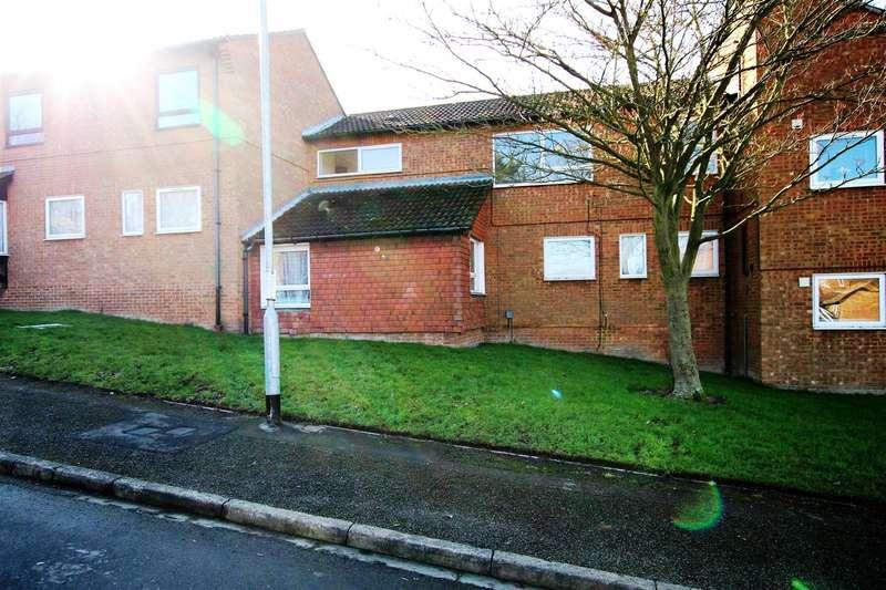 1 Bedroom Flat for sale in Plaiters Way, Houghton Regis