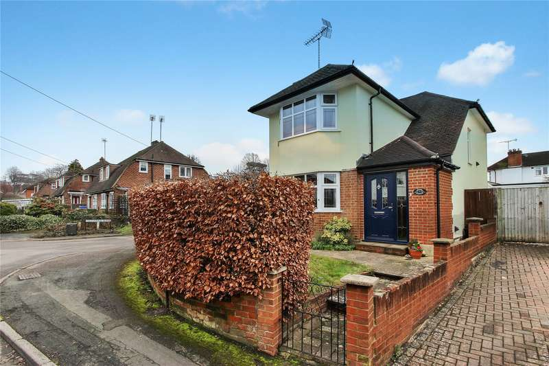 4 Bedrooms Detached House for sale in Bury Lane, Horsell, Surrey, GU21