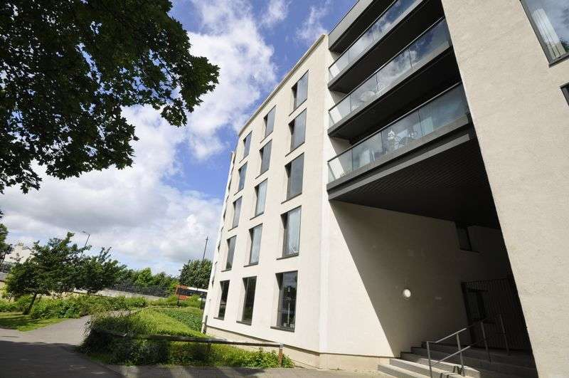 1 Bedroom Flat for sale in Honeybourne Way, Cheltenham