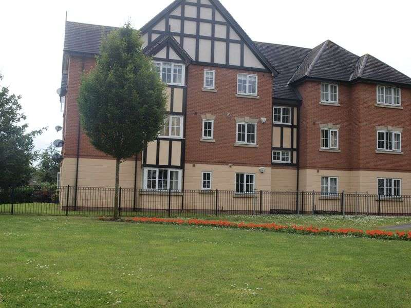 2 Bedrooms Flat for sale in Marine Approach, Northwich, CW8 1GG
