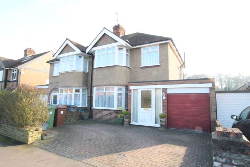 3 Bedrooms Semi Detached House for sale in Park Avenue, Bushey