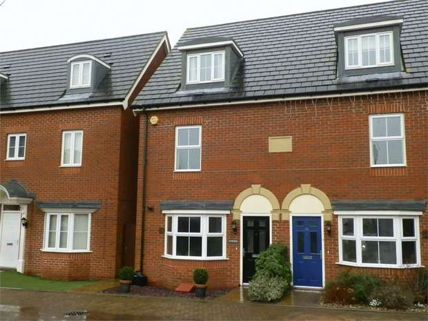 3 Bedrooms Semi Detached House for sale in Honesty Close, SITTINGBOURNE, Kent