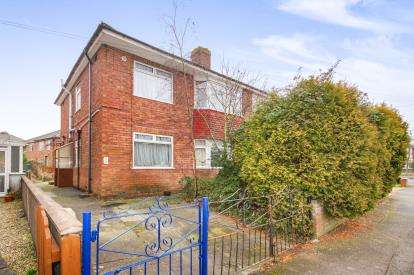 2 Bedrooms Maisonette Flat for sale in Rodway Road, Patchway, Bristol, Gloucestershire