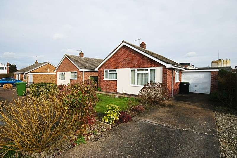 2 Bedrooms Detached Bungalow for sale in Pearmain Road, Diss