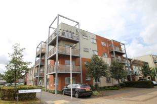 2 Bedrooms Flat for sale in Marsden Gardens, Dartford, Kent