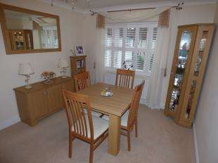 2 Bedrooms Flat for sale in The Old Market, Marden, Tonbridge, Kent