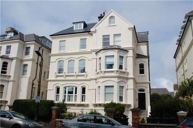 1 Bedroom Flat for sale in Blackwater Road, EASTBOURNE