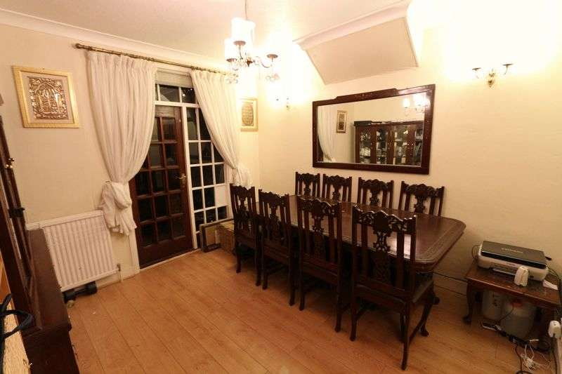 3 Bedrooms Terraced House for sale in Kingston Road, Ilford