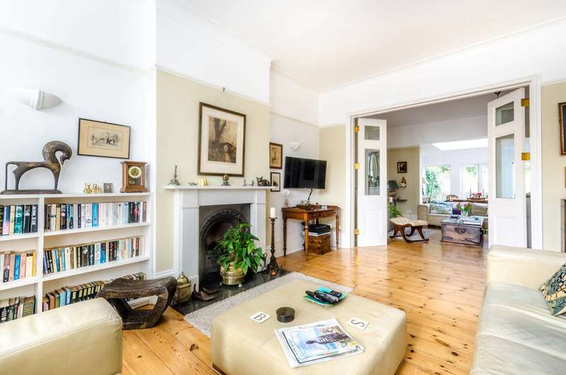 4 Bedrooms Detached House for sale in Benson Road, Forest Hill, SE23