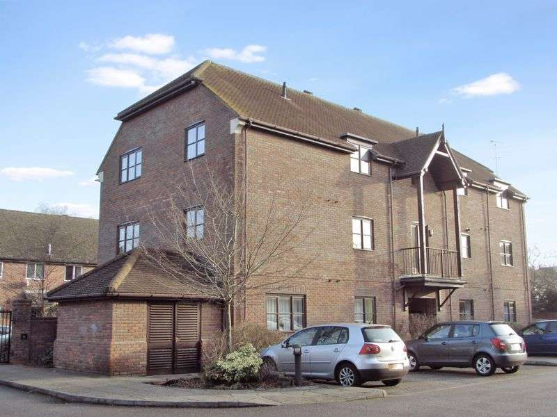 2 Bedrooms Flat for sale in Bewicks Reach, Newbury