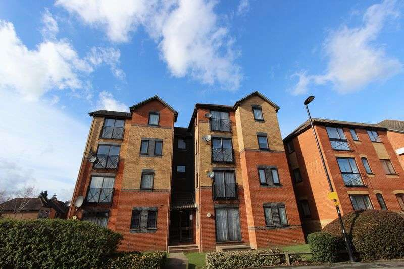 2 Bedrooms Flat for sale in Shirley