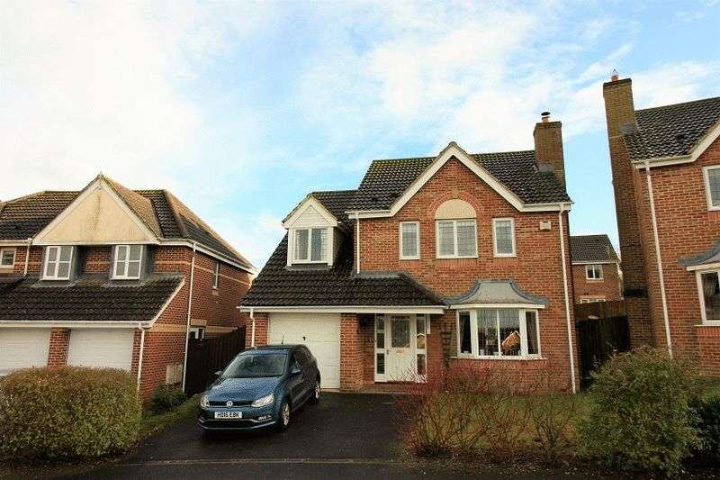 4 Bedrooms Detached House for sale in Millennium Close, Salisbury