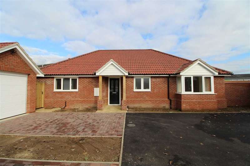 3 Bedrooms Bungalow for sale in Bishnibar, Heath Road, Stanway, Colchester