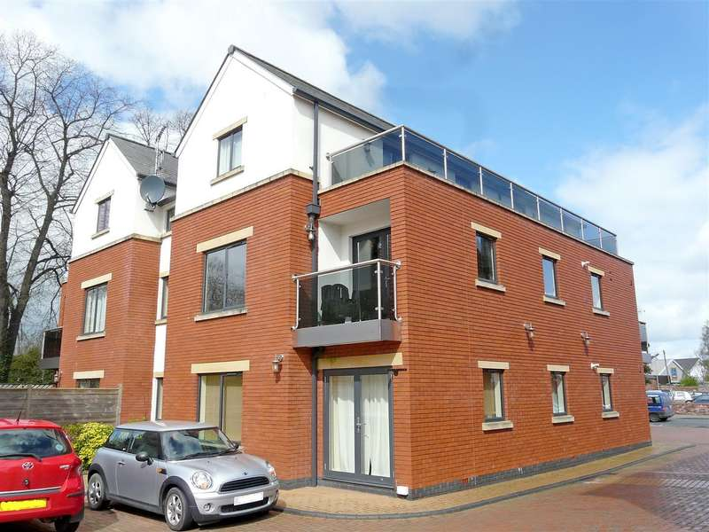 2 Bedrooms Apartment Flat for sale in Victoria Court, Eign Street, Hereford, HR4