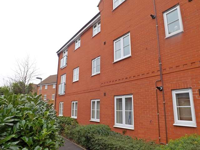 2 Bedrooms Flat for sale in Robins Corner, Evesham