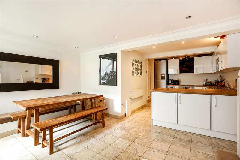 2 Bedrooms Flat for sale in Putney Bridge Road, London, SW15