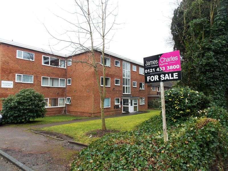 2 Bedrooms Flat for sale in Windsor Court, Redditch Road, Kings Norton, Birmingham