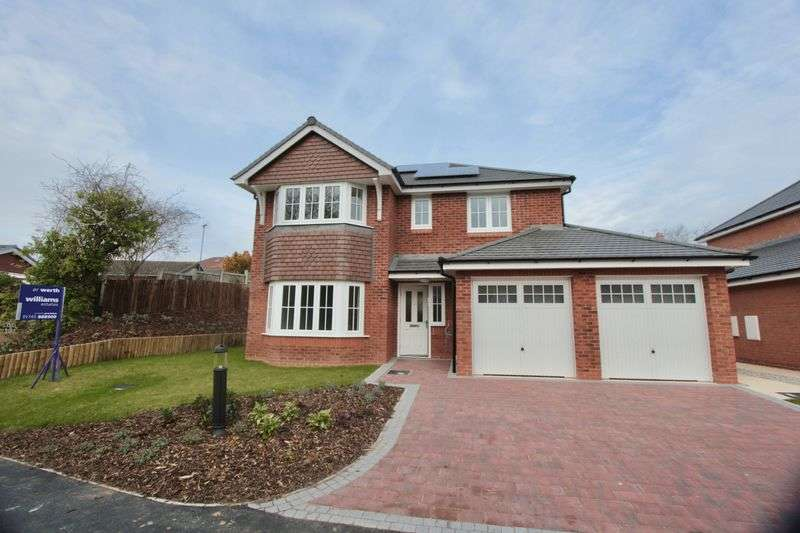 4 Bedrooms Detached House for sale in Graham Avenue, Prestatyn