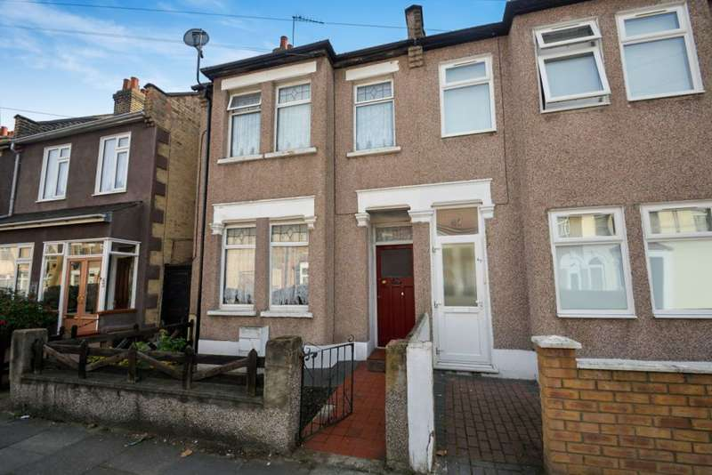 2 Bedrooms Terraced House for sale in Harvey Road, Ilford, IG1 2NJ