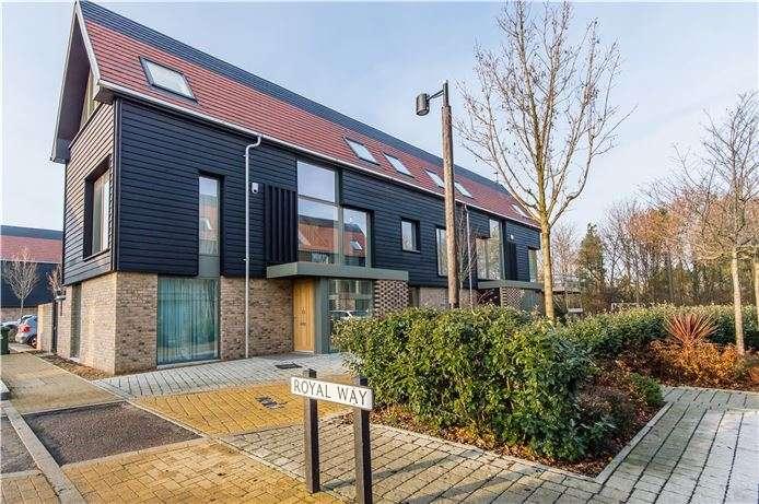 4 Bedrooms Semi Detached House for sale in Royal Way, Trumpington, Cambridge