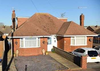 2 Bedrooms Semi Detached Bungalow for sale in Ham Way, Worthing, BN11
