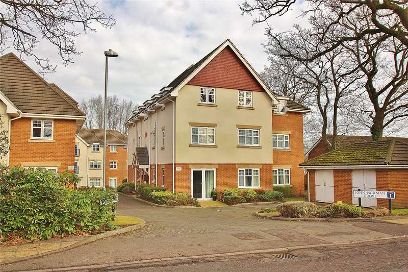 2 Bedrooms Maisonette Flat for sale in John Norman Grove, Lightwater, Surrey, GU18