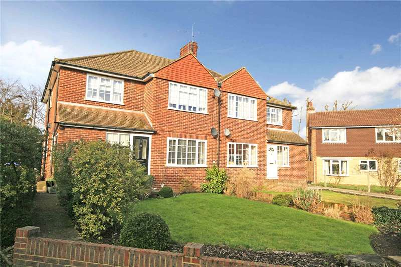 2 Bedrooms Maisonette Flat for sale in Royston Avenue, Byfleet, Surrey, KT14