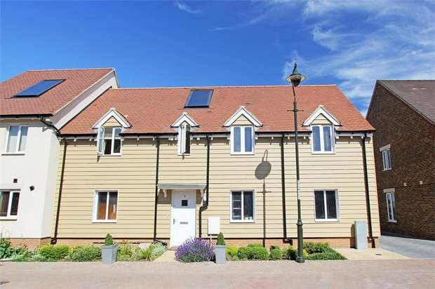 2 Bedrooms Flat for sale in Redwing Avenue, Iwade, Sittingbourne, Kent