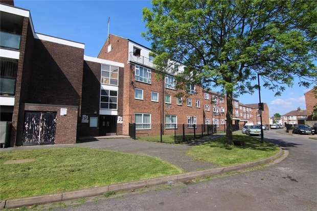 2 Bedrooms Flat for sale in Essex Close, Walthamstow, London