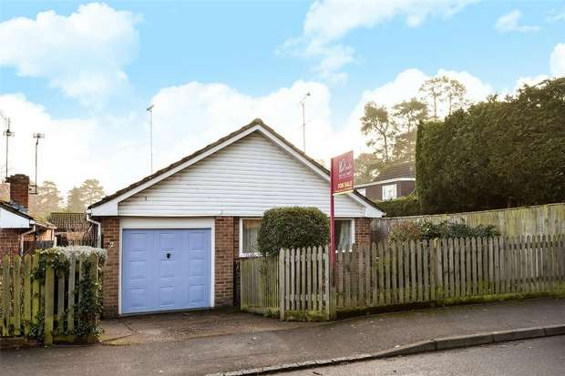 2 Bedrooms Detached Bungalow for sale in Gorse Ride South, FINCHAMPSTEAD, Berkshire