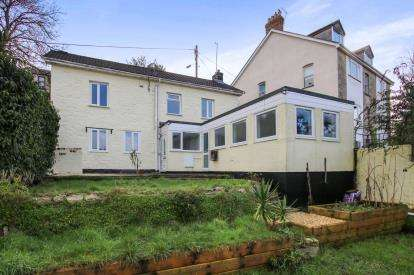 3 Bedrooms Detached House for sale in St. Austell, Cornwall, Uk