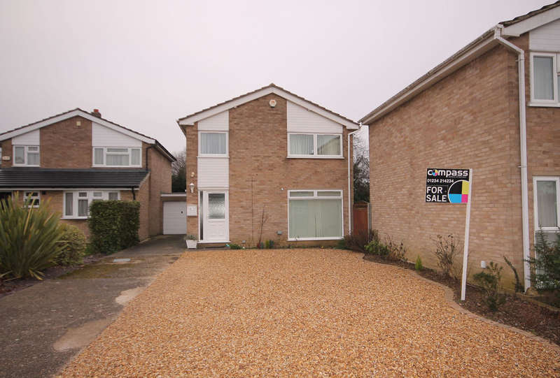 3 Bedrooms Detached House for sale in Morland Way, Bedford, MK41
