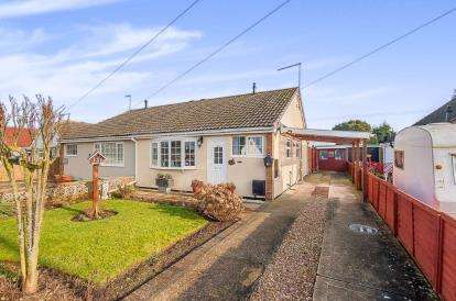 2 Bedrooms Bungalow for sale in Camelot Gardens, Fishtoft, Boston, Lincolnshire