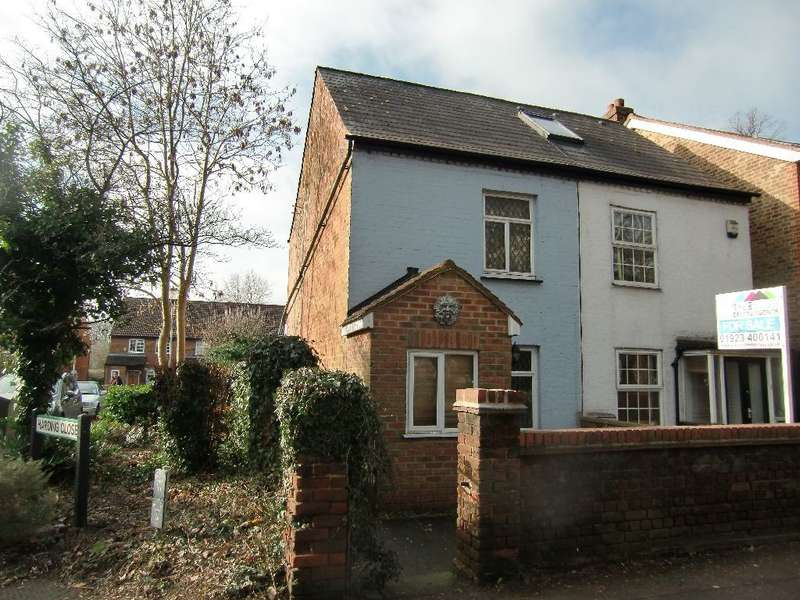 2 Bedrooms Cottage House for sale in Horseshoe Lane, Garston Watford, Herts