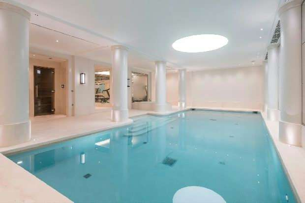 2 Bedrooms Flat for sale in Furnival House, Cholmeley Park, Highgate Village, N6