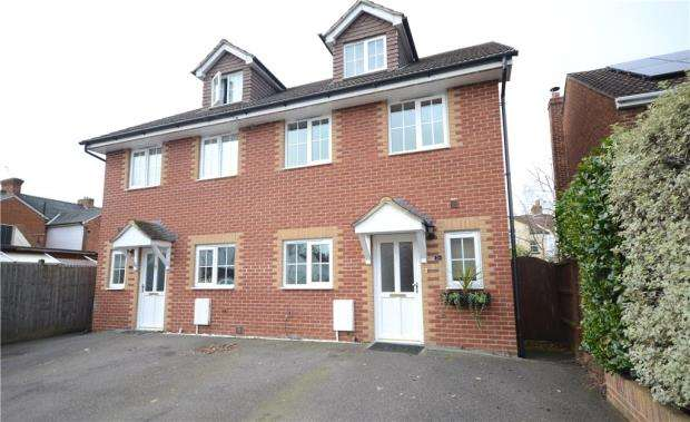 4 Bedrooms Semi Detached House for sale in Windsor Road, Farnborough, Hampshire