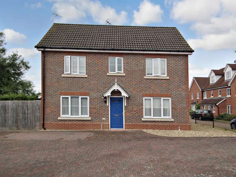 3 Bedrooms Detached House for sale in Knights Mead, Lingfield, RH7