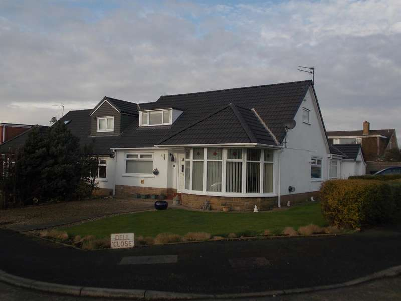 3 Bedrooms Semi Detached Bungalow for sale in Dell Close, Marton-in-Cleveland, Middlesbrough, TS7 8JG