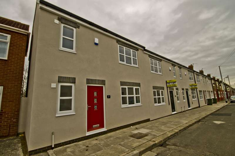 3 Bedrooms End Of Terrace House for sale in Gladstone Street, Stockton-on-Tees, TS18 3EY