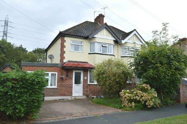 4 Bedrooms Semi Detached House for sale in Derek Avenue, Ewell