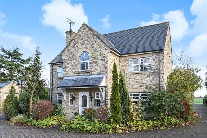 4 Bedrooms Detached House for sale in Peplow Close, Burton Salmon, Leeds, LS25 5RA